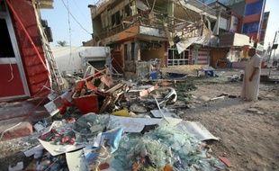 Des attentats mercredi en Irak ont fait plus de 30 morts, dont 18 parmi deux familles chiites tués lorsque leurs maisons ont été dynamitées de nuit alors qu'ils dormaient, a-t-on appris de sources sécuritaires et médicales.