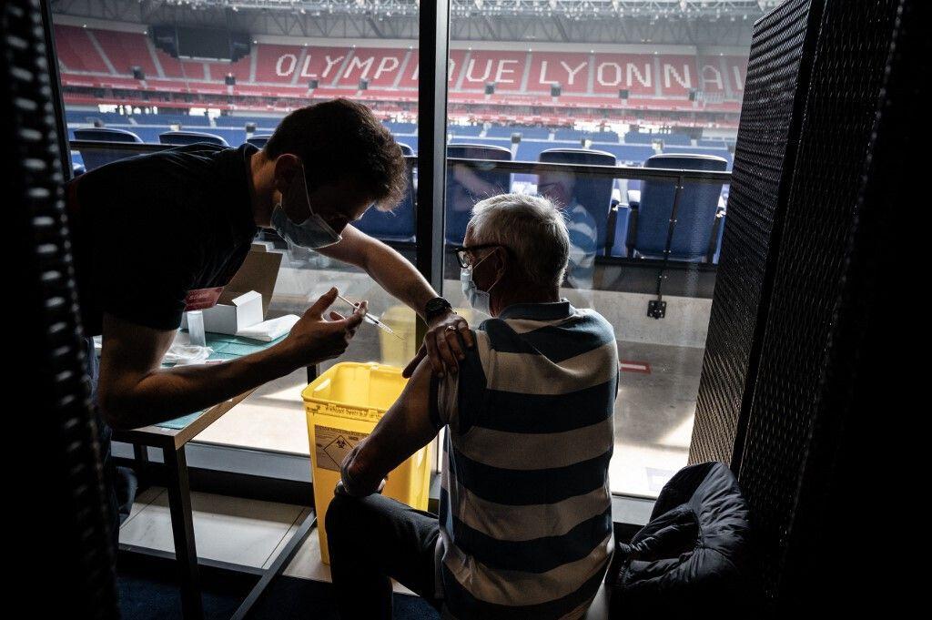 10.500 personnes pourront se faire vacciner le 5,6 et 7 au Groupama Stadium de Décines.