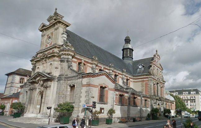 L'église Saint-Louis de Fontainebleau.