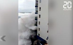 Des vagues gigantesques détruisent des balcon de l'île de Tenerife aux Canaries.