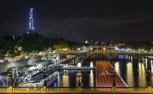 Paris by night et by JO. C'est beau.