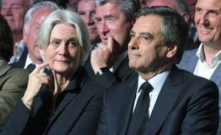 Penelope et François Fillon le 9 avril 2017 à Paris en meeting.