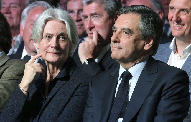 Penelope et François Fillon le 9 avril 2017 à Paris en meeting.