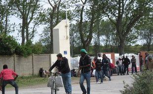 Calais, le 3 juin 2015 - Reportage autour de la structure d'accueil de jour pour les migrants (Jules-Ferry)