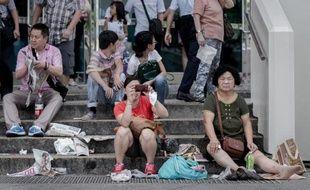 Ne pas fourrer les doigts dans son nez, ne pas uriner dans la piscine ou voler le gilet de sauvetage dans l'avion: les autorités chinoises énumèrent les recommandations à l'égard de leurs citoyens en goguette à l'étranger, dont les manières laissent parfois à désirer.