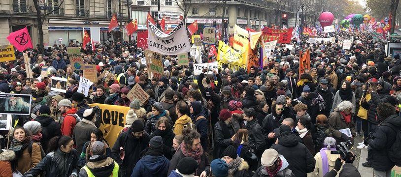 Une marée humaine était rassemblée, ce jeudi, boulevard Magenta, pour protester contre la réforme des retraites.