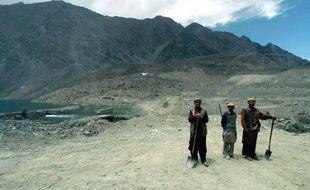 Les glaciers de la chaîne du Karakoram, à la frontière de la Chine, de l'Inde et du Pakistan, font exception au mouvement général de fonte des glaces, selon les travaux d'une équipe française publiés dimanche en ligne dans Nature Geoscience.