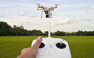 Un drone équipé d'une caméra HD.