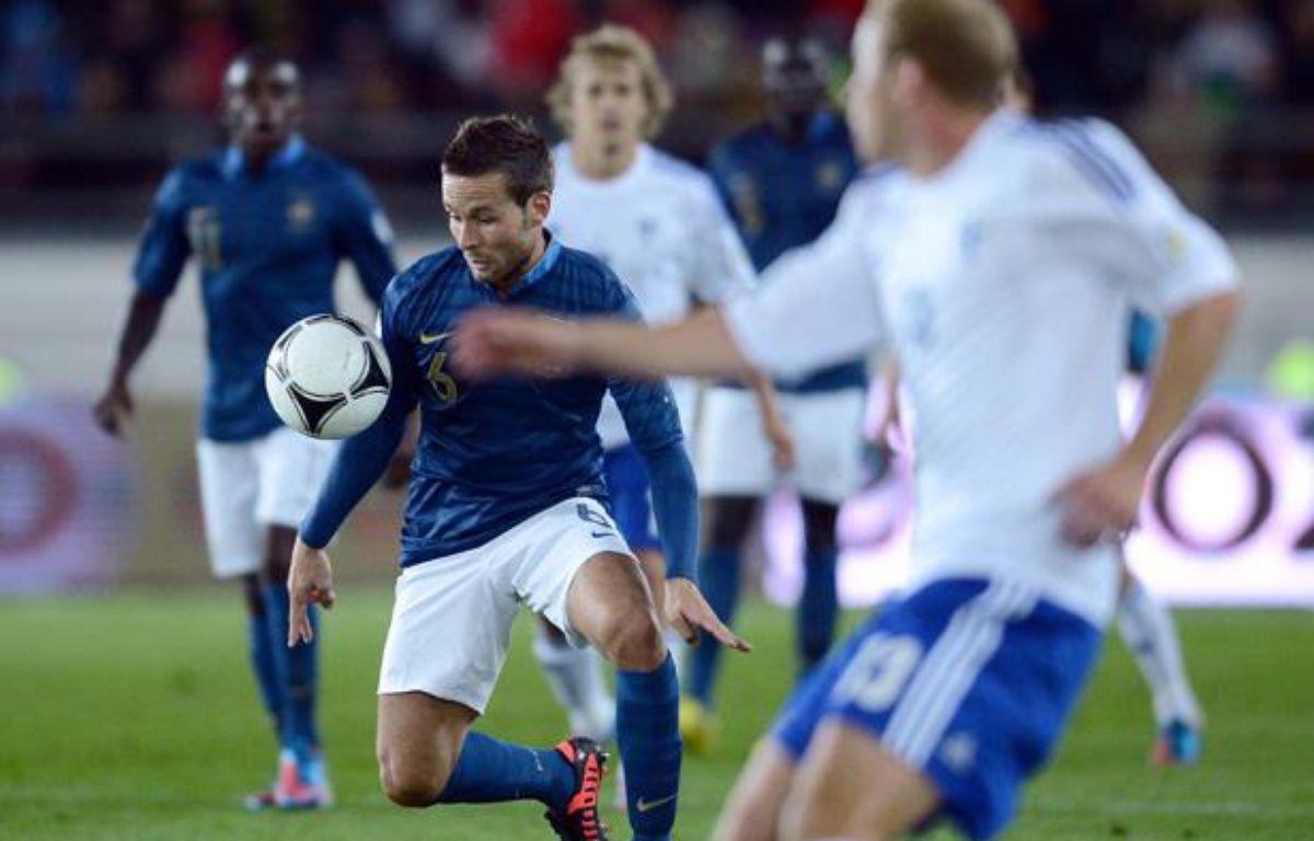 Yohan Cabaye lors du match de qualification pour le Mondial 2014 France-Finlande, le 7 septembre 2012. – FRANCK FIFE / AFP