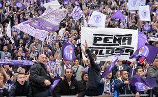 Les supporters du TFC montés en masse à Angers, le 14 mai 2016.