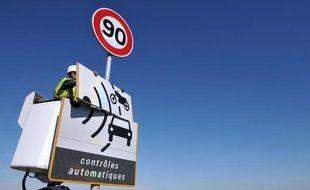 «J'ai accéléré sur un kilomètre afin de sécher ma voiture», s'est justifié le maire picard, contrôlé en excès de vitesse.