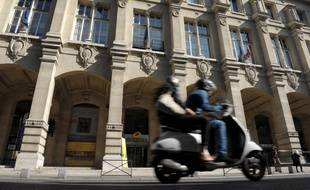 Paris la poste de la rue du louvre entame trois ans de travaux