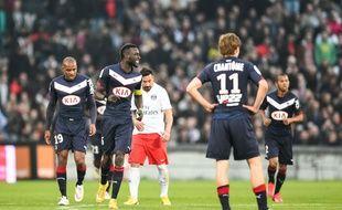 Les Girondins Sané et Chantôme lors de Bordeaux-PSG joué le 15 mars 2015.