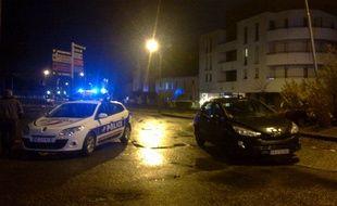 L'homme est retranché depuis 17h30 dans un appartement du centre-ville de Chantepie.
