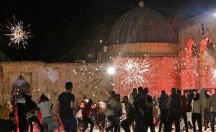 Des heurts ont éclaté vendredi à Jérusalem, entre Palestiniens et police israélienne, faisant des centaines de blessés.
