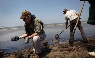 Le procès au civil du géant BP s'est ouvert lundi à La Nouvelle-Orléans sur une violente attaque des conditions de sécurité sur la plateforme pétrolière Deepwater Horizon, dont l'explosion en 2010 avait entraîné la plus grande marée noire de l'histoire.