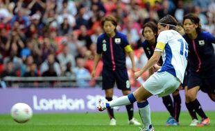 La joueuse de l'équipe de France de football, Elise Bussaglia, lors de la demi-finale des Jeux olympiques de Londres contre le Japon, à Wembley, le 6 août 2012.