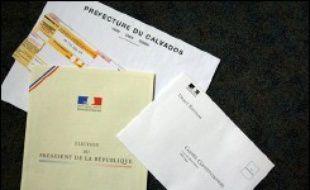Le premier secrétaire du Parti socialiste, François Hollande, a envisagé mercredi à Laon (Aisne) la possibilité d'un changement de règle pour pouvoir se présenter à l'élection présidentielle, évoquant notamment l'idée d'un parrainage citoyen