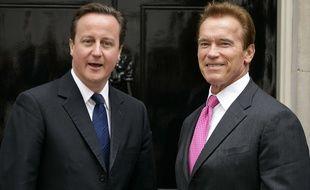 Arnold Schwarzenegger et David Cameron s'éclatent sur Snapchat