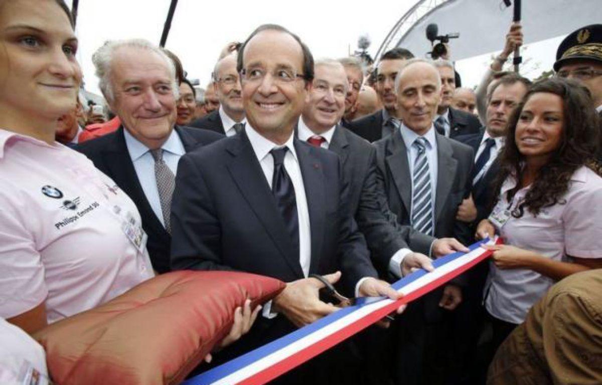 """Confronté à une sévère baisse de popularité et à une crise d'une """"gravité exceptionnelle"""", François Hollande a appelé vendredi à passer à la vitesse supérieure sur les chantiers gouvernementaux et les négociations entre syndicats et patronat. – Michel Euler afp.com"""