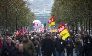 A Paris, les numéros un de la CGT, Bernard Thibault, et de FO Jean-Claude Mailly, vont défiler pour la première fois côte à côte.