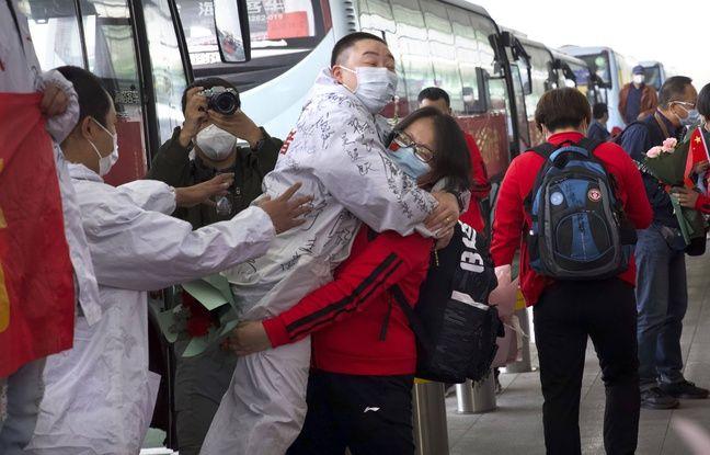 Coronavirus: Euphorie à Wuhan, où la quarantaine a pris fin après deux mois et demi de bouclage