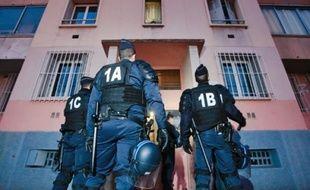 Les CRS envoyés dimanche par le ministre de l'Intérieur ont participé à l'opération.