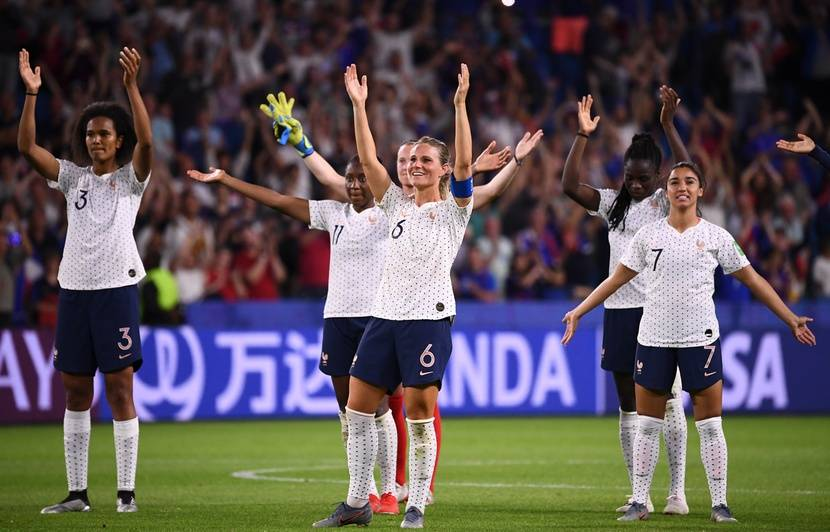 Des audiences record pour le match des Bleues sur TF1 et Canal+