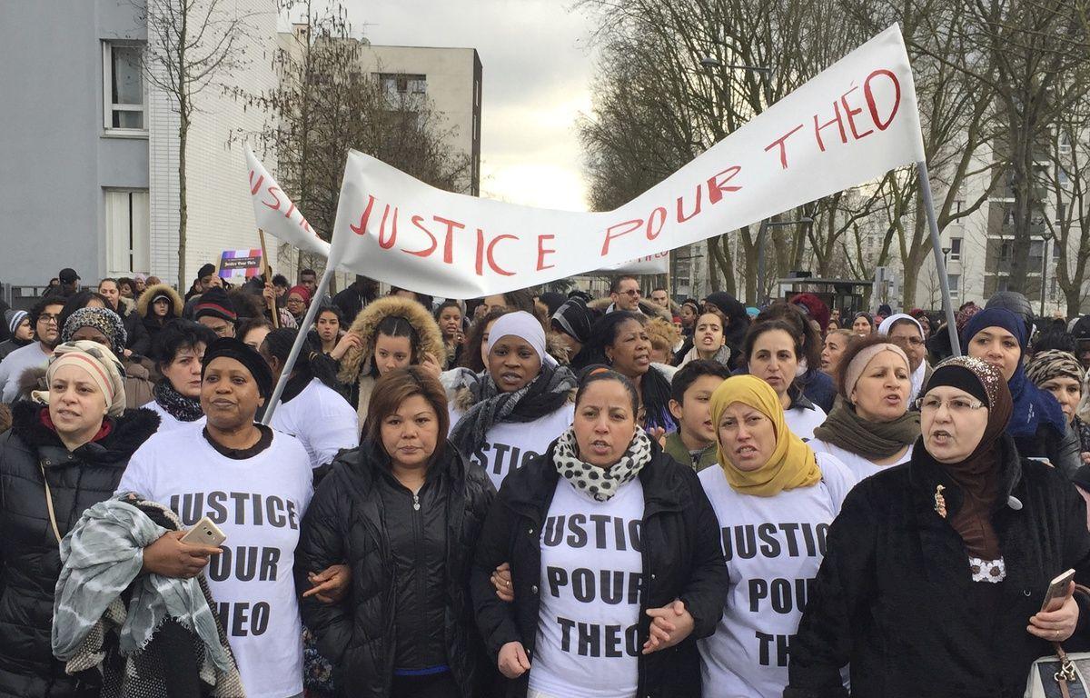 Une marche de soutien à Théo a eu lieu ce lundi à Aulnay-sous-Bois – SIPA PRESS
