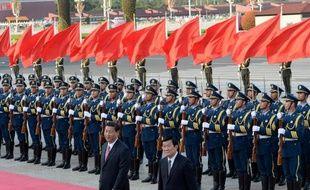 """La Chine et le Vietnam ont décidé d'ouvrir un """"téléphone rouge"""" entre Pékin et Hanoï pour gérer leur conflit territorial en mer de Chine du sud, a annoncé jeudi la presse officielle à l'occasion de la visite du président vietnamien Truong Tan Sang."""