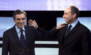 Le président de l'UMP Jean-François Copé et son rival François Fillon sont tombés d'accord mercredi sur le principe de l'organisation de primaires à droite pour désigner le candidat de l'opposition à l'élection présidentielle de 2017.
