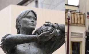 La statue à l'effigie de Carla Bruni-Sarkozy a été installée le 31 juillet 2012 à Nogent-sur-Marne.