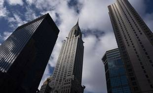 Le Chrysler Building, au milieu de congénères beaucoup moins classe.