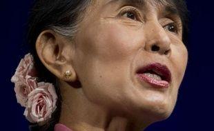 L'icône de la démocratie birmane Aung San Suu Kyi a appelé jeudi à Washington à la libération des Pussy Riot, les trois chanteuses de punk emprisonnées en Russie, lors d'une rencontre avec des jeunes d'Amnesty International avec qui elle a évoqué ses années d'enfermement.