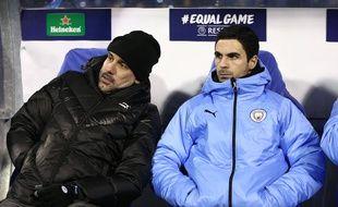 Pep Guardiola et son adjoint Mikel Arteta lors d'un match de Manchester City au Dinamo Zagreb, le 11 décembre 2019.