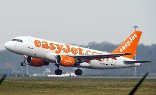 Un avion EasyJet au décollage à Lille-Lesquin en 2014