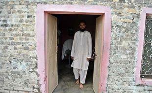 L'imam qui a livré à la police la jeune chrétienne pakistanaise arrêtée pour blasphème présumé l'a accusée vendredi d'avoir fait exprès de brûler des papiers contenant des versets du Coran pour provoquer les musulmans du quartier, avec qui les relations s'étaient tendues.