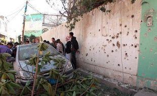 L'ambassade de France au Yémen fonctionnait normalement lundi après une série d'attentats nocturnes près de la chancellerie et du ministère de la Défense à Sanaa, qui ont fait trois blessés, selon des sources diplomatique et policière.