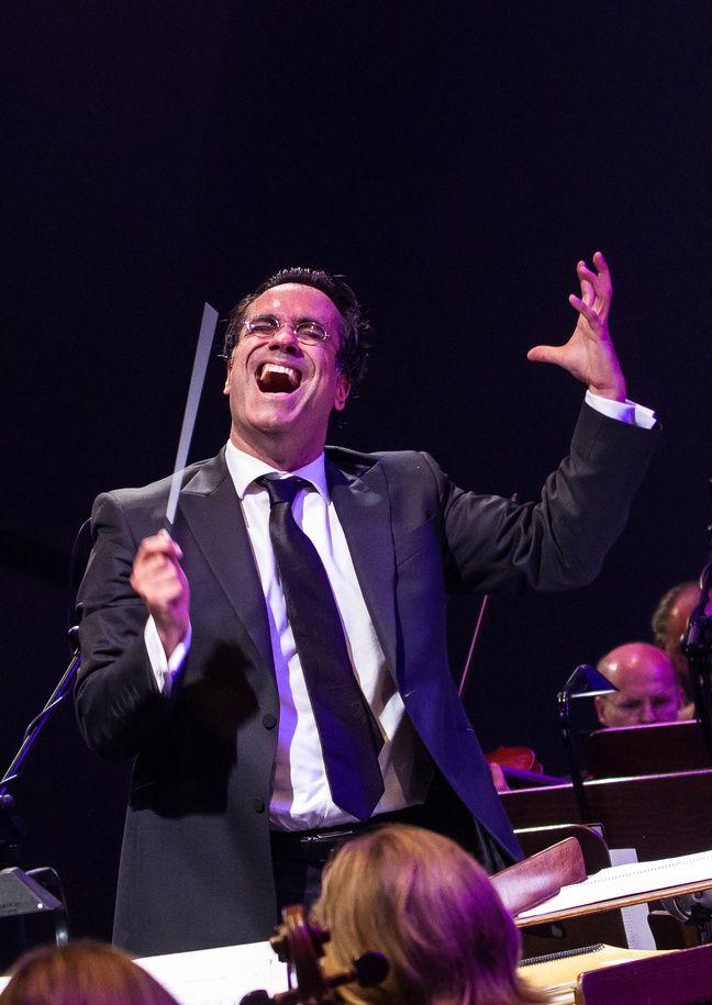 Le chef d'orchestre Diego Navarro