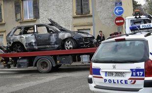 """Un policier de la BAC de Chambéry a été tué en intervention dans la nuit de mardi à mercredi, renversé délibérément par des cambrioleurs en fuite, que Nicolas Sarkozy a accusés d'""""assassinat""""."""