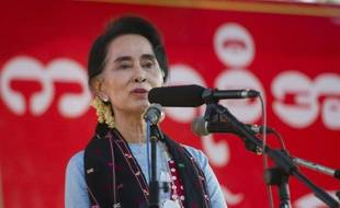 Aung San Suu Kyi le 2 octobre 2015 aux environs de Winemaw