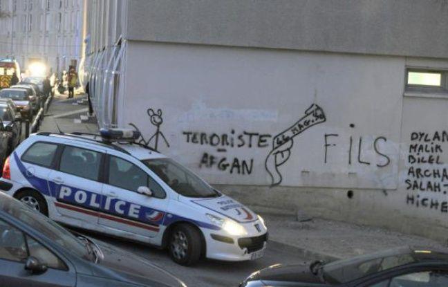Marseille: Un commando de dix hommes fait irruption dans une cité et tire des rafales de kalachnikov