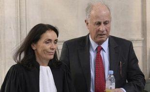 L'ex-gestionnaire de la fortune de Liliane Bettencourt, Patrice de Maistre et son avocate Jacqueline Laffont à Bordeaux le 3 février 2015