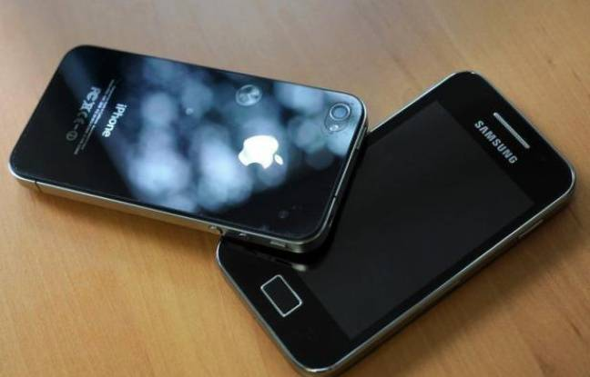 Après la victoire remportée par Apple dans un procès géant en Californie vendredi, le groupe sud-coréen Samsung a annoncé son intention de déposer un recours contre la décision du tribunal américain qui le condamne à verser plus d'un milliard de dollars pour des violations de brevets liés aux populaires iPad et iPhone.