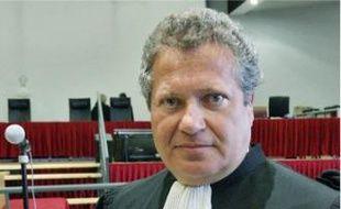 L'avocat de Total et de Thierry Desmarest, Jean Veil, demande la relaxe pour ses clients.