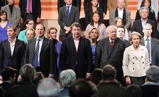 Les principaux candidats de l'UMP pour les régionales sur le devant de la scène lors du Conseil national du parti, samedi 30 janvier 2010.