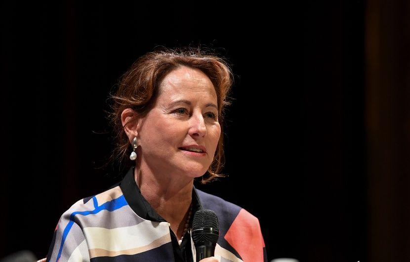 Ségolène Royal a-t-elle raison de parler de « licenciement » de son poste d'ambassadrice des pôles ?