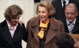 La cour d'appel de Versailles rend mercredi après-midi sa décision sur le maintien ou non sous tutelle de Liliane Bettencourt, la milliardaire réclamant une curatelle renforcée, régime moins contraignant qui lui permettrait d'écarter sa fille de la gestion de ses biens.