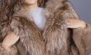 Un manteau en fourrure (illustration).