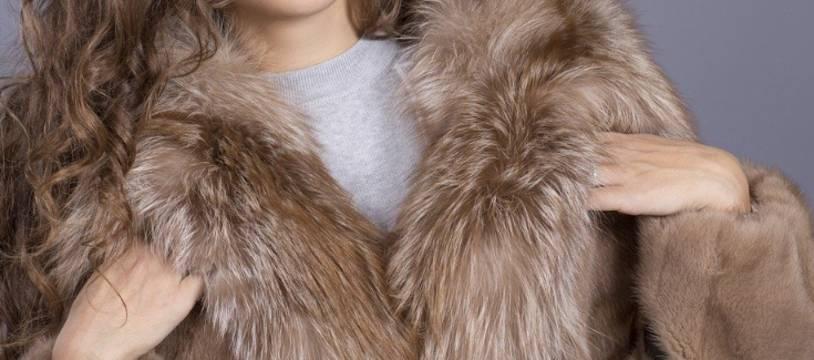 Un manteau en fourrure.